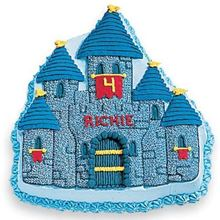 Picture of Enchanted Castle Eggless Vanilla Cake